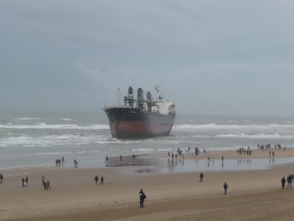 Huisduinen Den Helder schip (Aztec Maiden Wijk aan Zee)
